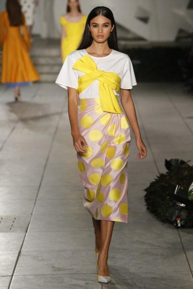 Image Source: Vogue Runway