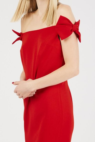 cherry-red-off-the-shoulder-bow-dress-beehive-boutique-4_1024x1024