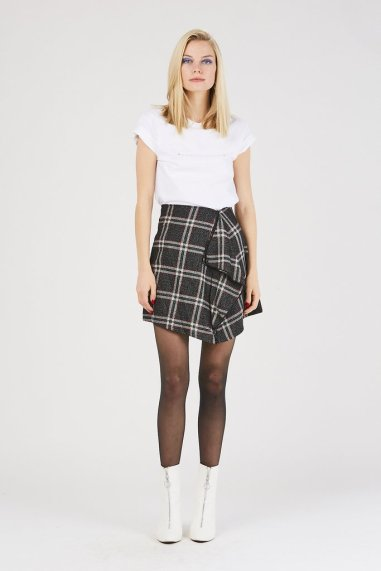 plaid-ruffle-skirt-beehive-boutiqut-1_1024x1024