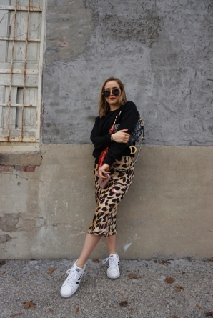 leopard_skirt_sneakers_2