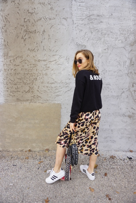 leopard_skirt_sneakers_3