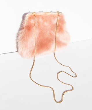 pink_faux_fur_handbag_beehive_boutique_1